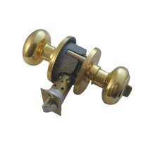 Weiser NA331 Troy Privacy Bathroom Knob set Brass